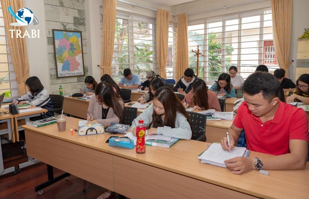 Lớp học tiếng Đức tại trung tâm đào tạo TRABI Việt Nam