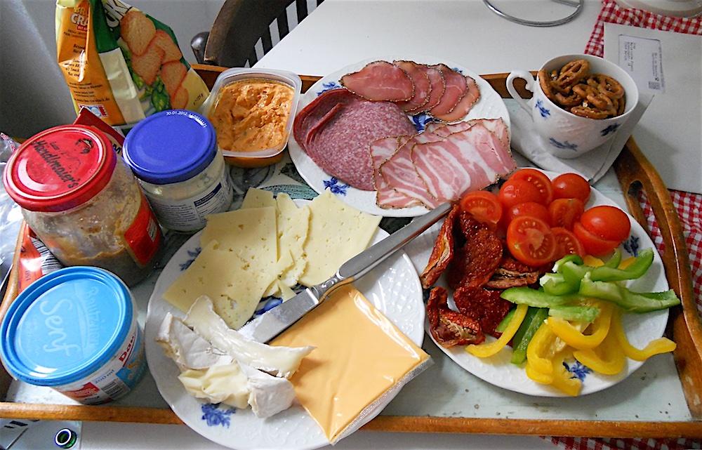 Bữa sáng tiêu biểu ở Đức